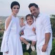Coco Rocha, son mari James Conran et leur fille Ioni James sur une photo publiée sur Instagram le 21 juillet 2017
