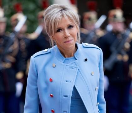 Brigitte Macron : Que trouve-t-on dans la garde-robe de la première dame ?