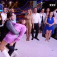 """""""Karine Ferri danse avec Anthony Colette dans """"Danse avec les stars 8"""", le 18 novembre 2017."""""""