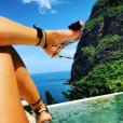 Karien Ferri, sexy en vacances. Juillet 2017.