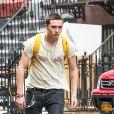 Exclusif - Brooklyn Beckham fait du skateboard dans les rues de New York, le 19 septembre 2017