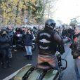 Le convoi funéraire de Johnny Hallyday sort du funérarium du Mont-Valérien à Nanterre, le 9 décembre 2017.