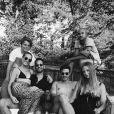 """Photo de famille du clan Hallyday sur Instagram."""