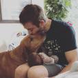 Cody Walker avec sa fille Remi Rogue et sa chienne Zuma
