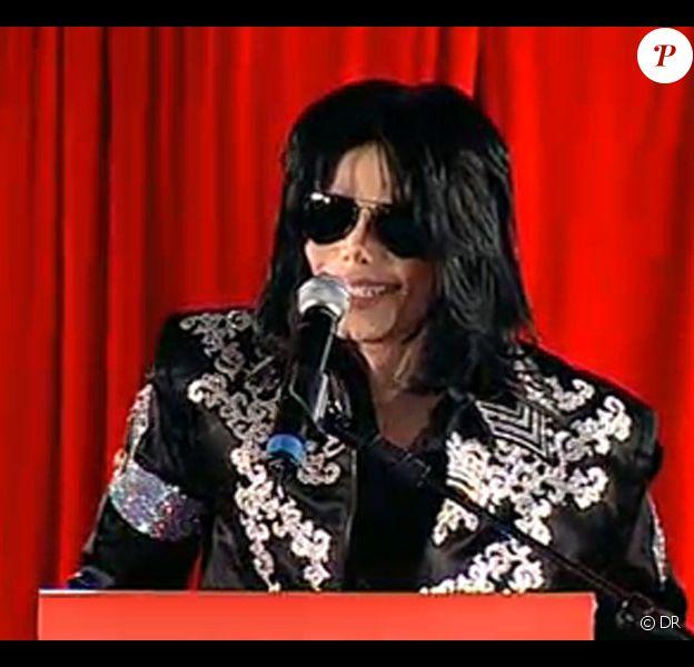 Michael Jackson lors de sa conférence de presse à Londres le 5 mars 2009