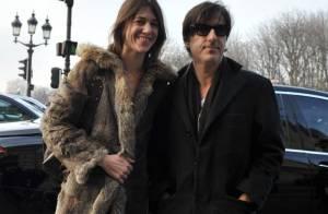 Charlotte Gainsbourg et Yvan Attal... un couple glamour et discret au défilé Balenciaga !