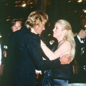 """Catherine Deneuve avait """"un peu plus que de l'affection"""" pour Johnny Hallyday"""