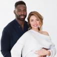 """Ariane Brodier, enceinte, et Fulgence Ouedraogo souhaitent un """"joyeux Noël"""" à leurs fans. Photos postée sur Instagram le 26 décembre 2017. La naissance est prévue pour janvier."""