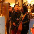 Exclusif - Mariah Carey et son compagnon Bryan Tanaka font du shopping à Aspen le 28 décembre 2017.
