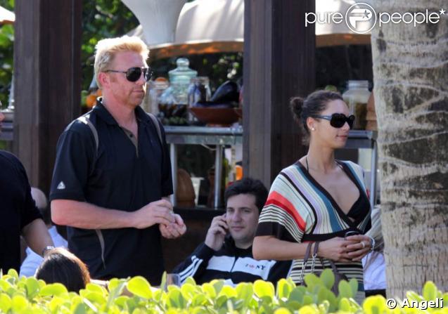 Boris Becker et sa fiancée Lilly Kerssenberg déjeunent avec des amis à Miami...