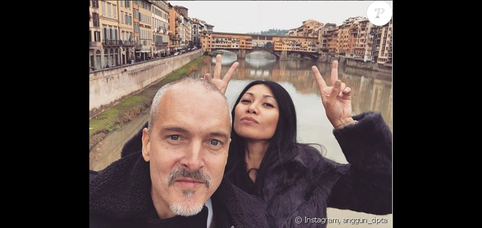 Anggun pose avec son chéri Christian Kretschmar à Florence, le 1er janvier 2018