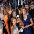 """Sylvester Stallone et Jennifer Flavin avec leurs filles- Avant-première du film """"Expendables 2"""" au Grand Rex à Paris en 2012"""