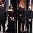 """Edgar Ramirez, Penélope Cruz, Ricky Martin et Darren Criss remettent le prix de """"Meilleur acteur dans une série ou un film télévisé"""" aux 75e Golden Globes. Los Angeles, le 7 janvier 2018."""