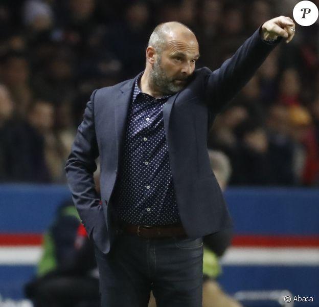 Pascal Dupraz, l'entraîneur du TFC, lors du match de Ligue 1 contre le PSG au Parc des Princes le 19 février 2017.