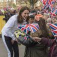"""La duchesse Catherine de Cambridge, enceinte de six mois, était en visite le 17 janvier 2018 à l'école primaire Bond à Mitcham, dans le sud-ouest de Londres, pour observer le travail de la """"Wimbledon Junior Tennis Initiative""""."""