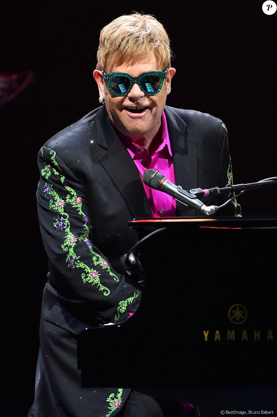 Elton John en concert au Grimaldi Forum à Monaco, le 6 décembre 2017. © Bruno Bebert/Bestimage