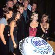 """""""Beverly Hills"""" fête son 250e épisode à Hollywood, le 3 novembre 1998."""