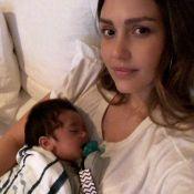 Jessica Alba et son bébé, duo craquant et accro à une série Netflix...