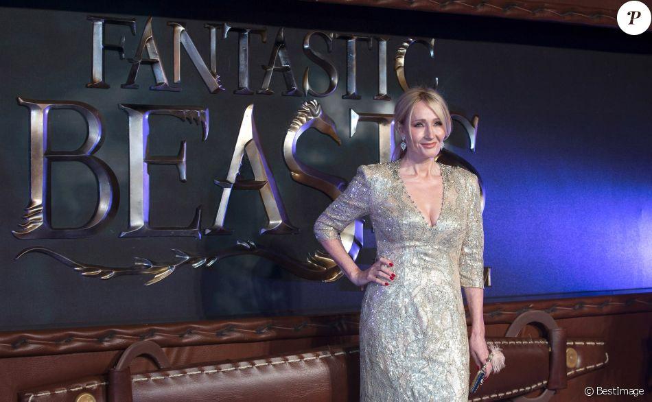 """J.K. Rowling - Première du film """"Les animaux fantastiques"""" au Leicester Square à Londres. Le 15 novembre 2016"""