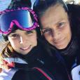 La princesse Stéphanie de Monaco avec sa fille Pauline Ducruet aux sport d'hiver à Auron en décembre 2016, photo Instagram
