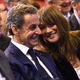 Nicolas Sarkozy et sa femme Carla Bruni-Sarkozy très complices lors d'un meeting à Marseille © Bruno Bebert/Bestimage