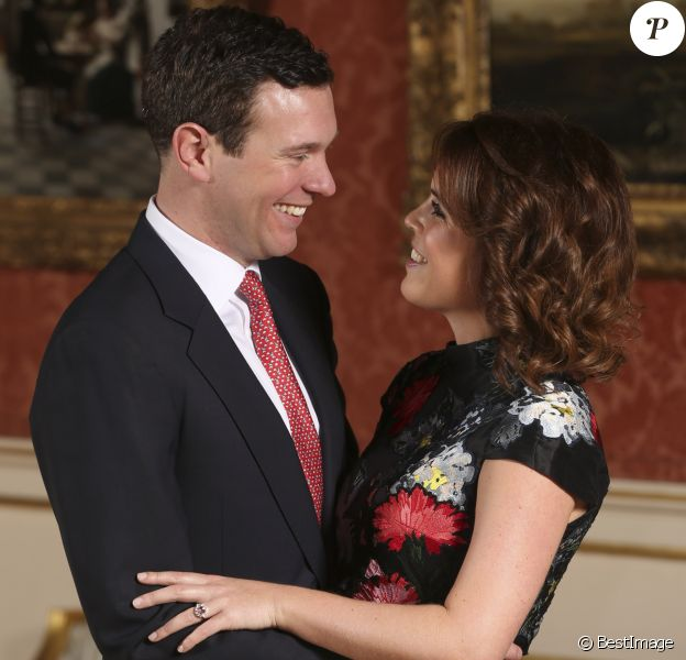 Portrait de la princesse Eugenie et de son fiancé Jack Brooksbank au palais de Buckingham à Londres le 22 janvier 2018, suite à l'annonce de leurs fiançailles. Jack a fait sa demande un peu plus tôt dans le mois au cours d'un séjour au Nicaragua.