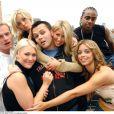Paul Cattermole (au centre) et le groupe S Club 7 à Londres en 2002