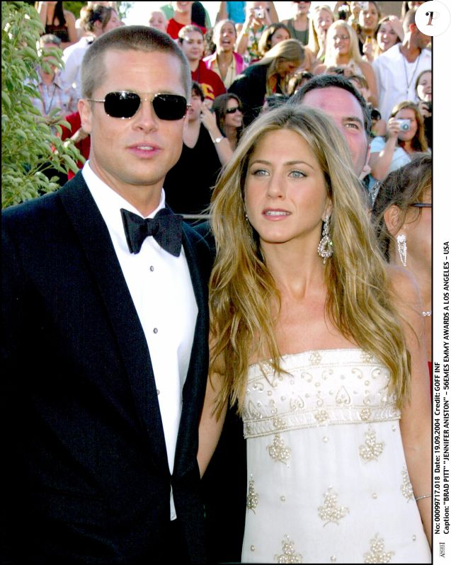 Brad Pitt et Jennifer Aniston aux Emmy Awards à Los Angeles en septembre 2004