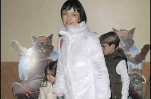 Maria de Medeiros et ses enfants entourent les Deschiens... pour une soirée réussie au Palace !