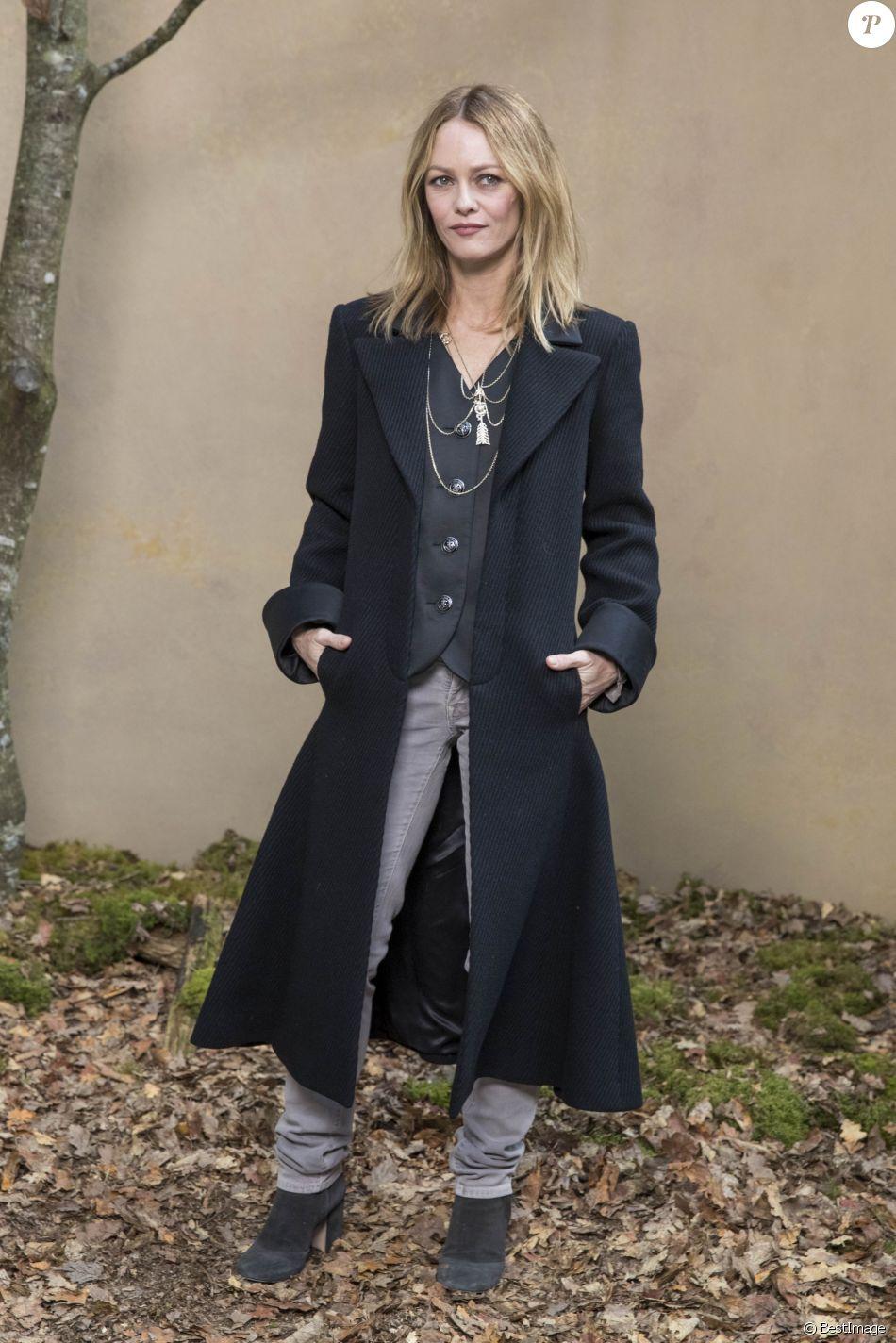 1669b259e2885 Vanessa Paradis - Défilé de mode automne-hiver 2018 2019  quot Chanel quot