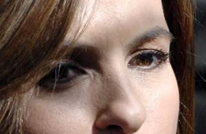 Mariska Hargitay est de retour ! Regardez-la en plein tournage avec Hilary Duff !