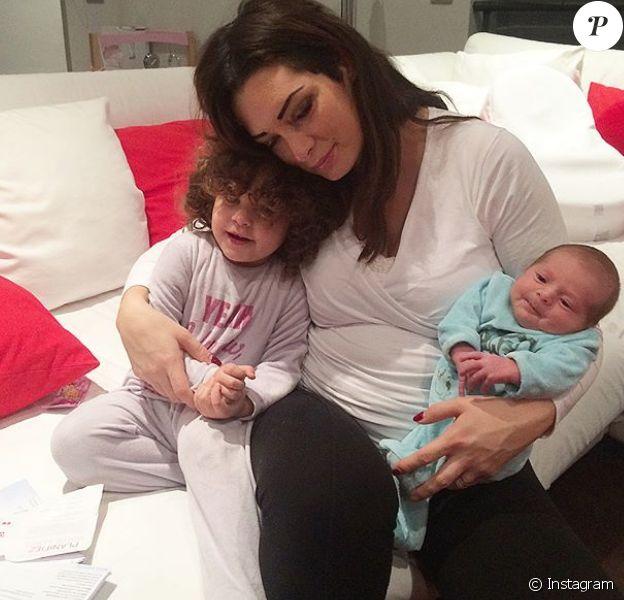 Emilie Nef Naf après la naissance de son deuxième enfant. Une photo souvenir postée sur Instagram en mars 2018.
