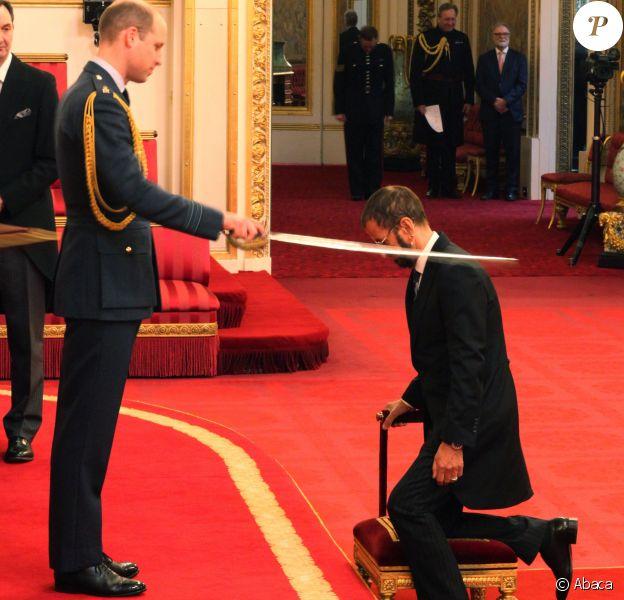 Ringo Starr des Beatles (de son vrai nom Richard Starkey) a été anobli par le prince William le 20 mars 2018 au palais de Buckingham.