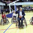 Le prince William s'est essayé au basket-ball en fauteuil roulant. La duchesse Catherine de Cambridge, enceinte, et le prince William ont pris part le 22 mars 2018 à un événement organisé par l'association SportsAid dans l'enceinte sportive La Copper Box au Parc olympique de Londres. Il s'agissait de la dernière journée d'engagements de Kate avant son congé maternité.