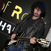 Yarol Poupaud : Le guitariste de Johnny Hallyday déchaîné devant Shy'm