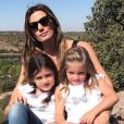 Santiago Cañizares et sa femme Mayte (ici en photo avec deux de leurs trois filles, photo Instagram décembre 2017) ont eu à affronter le 23 mars 2018 la mort, à 5 ans seulement, de leur fils Santi, frère jumeau de leurs filles Martina et India.