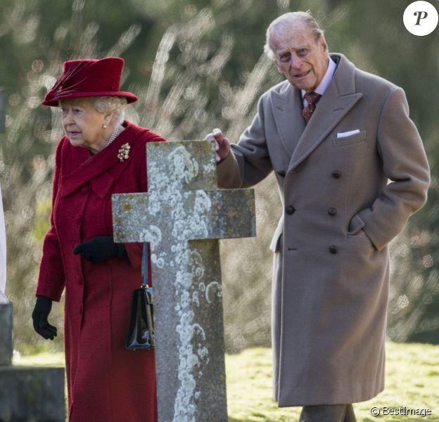 Le prince Philip, duc d'Edimbourg, avec la reine Elizabeth II le 4 février 2018 à la messe à l'église Saint-Mary près de Sandringham.