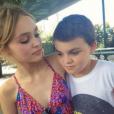 Lily-Rose Melody Depp avec son petit frère Jack John Christopher.