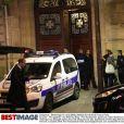 Exclusif : Kim Kardashian quitte son hôtel résidence de la rue Tronchet après le braquage dans la nuit du 2 au 3 octobre 2016 pour rentrer à NY.