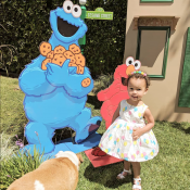 Chrissy Teigen enceinte : Maman inspirée pour l'anniversaire de sa fille Luna