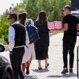 Jessica Alba, son mari Cash Warren et leurs trois enfants arrivent à la fête d'anniversaire de la fille de Chrissy Teigen et John Legend. Los Angeles, le 14 avril 2018.