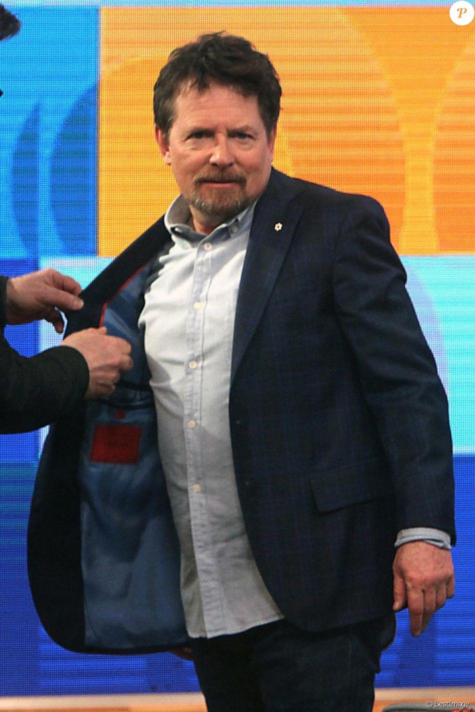 Michael J  Fox A Subi Une Op U00e9ration De La Colonne