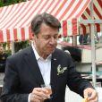 Exclusif - Christian Estrosi, le maire de Nice - Christian Estrosi (le maire de Nice) et sa femme Laura Tenoudji ont fêté en famille le 1er mai dans les jardins de Cimiez pour la Fête des Mai à Nice, le 1er mai 2018. © Bruno Bebert/Bestimage