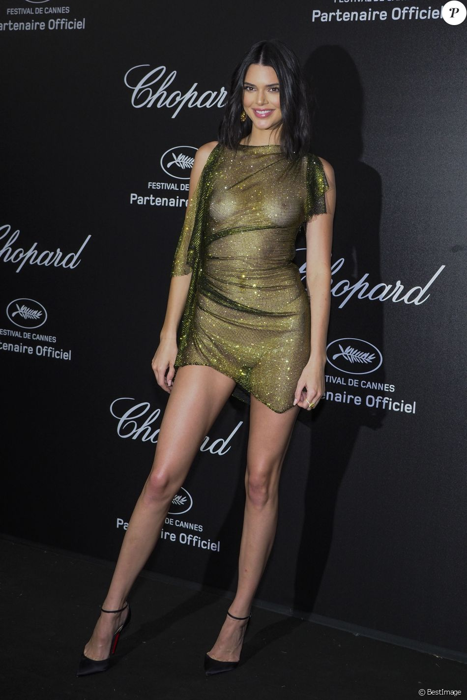 "Kendall Jenner au photocall de la soirée ""Chopard Secret Night"" au Château de la Croix des Gardes lors du 71ème Festival International du Film de Cannes, le 11 mai 2018. © Jacovides-Borde-Moreau/Bestimage Celebrities at the photocall of ""Chopard Secret Night Party"" at the Chateau de la Croix des Gardes during the 71st International Cannes Film Festival. May 11th, 2018.11/05/2018 - Cannes"