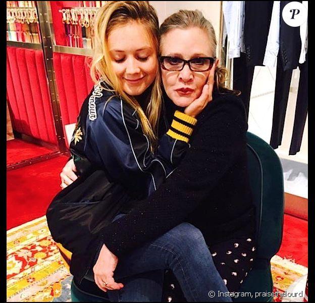 Ce 13 mai 2018, Billie Lourd passait une seconde fête des mères sans Carrie Fisher. L'occasion pour la jeune femme de rendre hommage à tous ceux qui n'ont plus leur mère pour cette journée particulière.