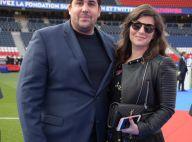 Artus : Soirée en amoureux au PSG pour l'humoriste et sa compagne