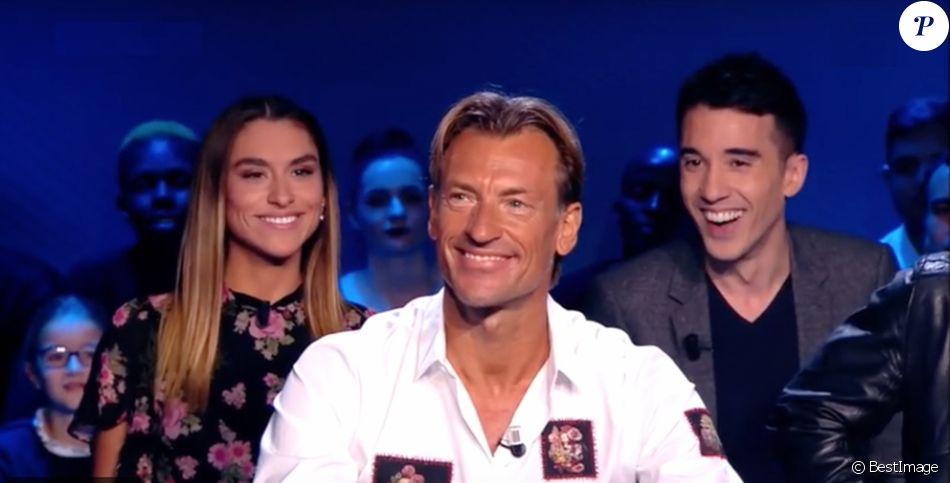 Candide Renard et son père Hervé Renard sur le plateau de l'émission Télé Foot sur TF1 à Paris le 19 novembre 2017© TF1 / Bestimage