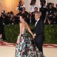 George Clooney et sa femme Amal Clooney (robe Richard Quinn) arrivent au Met Gala à New York, le 7 mai 2018 © Sonia Moskowitz/Globe Photos via Zuma/Bestimage