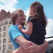 Camille Lacourt : Complice avec sa fille Jazz... non loin de Valérie Bègue