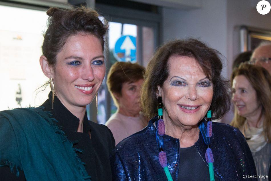 """Claudia Cardinale et sa fille Claudia Squitieri à la première de """"Rudy Valentino"""" à Rome, le 23 mai 2018."""
